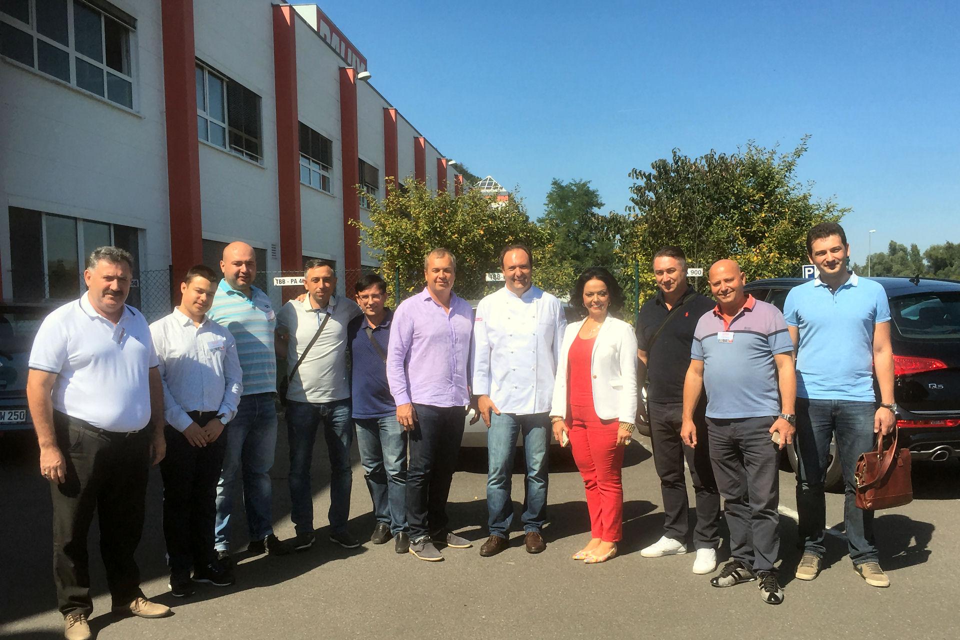 August 2016 PALUX Aktiengesellschaft in Bad Mergentheim Die Teilnehmer an sem zweitägigen Schulungsprogramm waren begeistert von der